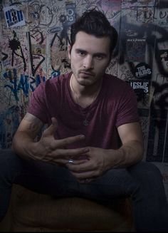 Did you know that Enzo is a singer?  oops... i mean Micheal Malarkey... #TeamEnzo ♥ xDD no jk im #TeamDamon AND #TeamEnzo