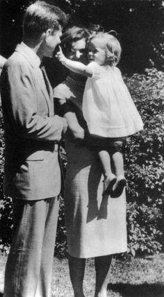 1959. Peut être par Phillip A. HARRINGTON. Jack, Jackie and Caroline