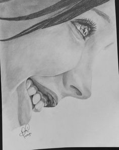 Coteyo.  Cute girl.  Draw pencil
