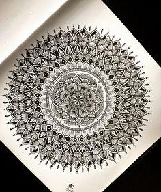 Black Mandala design with Staedtler pen. Mandala Doodle, Mandala Art Lesson, Mandala Artwork, Mandala Painting, Mandala Drawing, Stencil Painting, Mandala Sketch, Easy Mandala, Statue Of Liberty Drawing