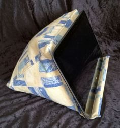 Large media stand suitable for tablet, in yellow/blue fabric