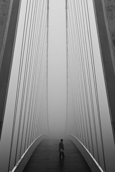 as the world seems to big to venture. you must step over the bridge, and await the wonders of what is new instore Line Photography, Street Photography, Black White Photos, Black And White Photography, Ouvrages D'art, Foto Art, Great Photos, Mists, Monochrome