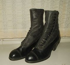 High button victorian shoes