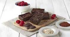 Achtung - jetzt wird es extra schokoladig! Du suchst ein gesundes Schokoladen Dessert? Die Kakaobutter Brownies sind genau das!