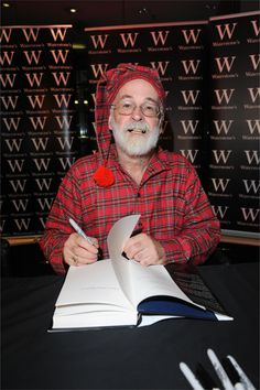 Sir Terry Pratchett at Midnight - This man is officially my hero