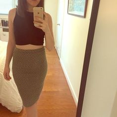 Bar ||| stretchy tube skirt, high waist, petite Super cute checkered tube skirt. Body hugging, high waisted. Awesome with crop top. Bar III Skirts Pencil