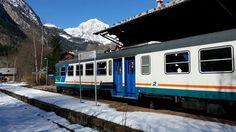 Il treno alla stazione di Pré Saint Didier con il monte Bianco sullo sfondo #experiaitalia #raiexpo #padiglioneitalia #politecnicodimilano #expo2015 #viaggio #montebianco #aosta #presaintdidier #italia #viaggio