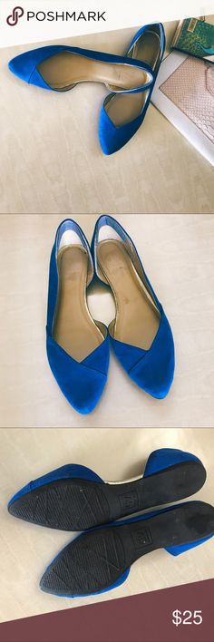 Dolce Vita Blue Flats 8.5 Blue flats, uses in good condition. Please refer to pictures. Size 8.5 DV by Dolce Vita Shoes Flats & Loafers