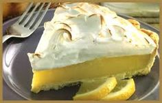 Lemon pie (receta super f Lemon Recipes, My Recipes, Cake Recipes, Cooking Recipes, Recipies, Lemon Pie Receta, Peruvian Desserts, Food Inc, Crazy Cakes