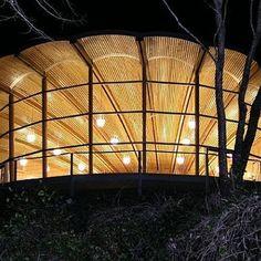 Construção em bambu. Bamfield, Canada. Projeto do escritório canadense Hoog & Kierulf. #architecture #arquitetura #arte #artes #arts #art #artlover #design #architecturelover #instagood #instacool #instadaily #design #projetocompartilhar #davidguerra #arquiteturadavidguerra #shareproject #bambu #leveza #bamboo #lightness #bambooarchitecture #bamboodesign #canada
