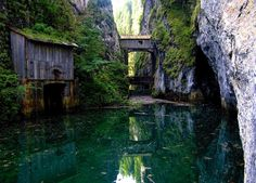 Cascada cu apa cea mai pura din lume se gaseste in Muntii Bucegi Turism Romania, Most Beautiful, Beautiful Places, England Uk, Trees To Plant, Places To See, Earth, Europe, House Styles