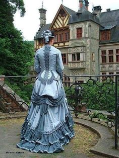 Juli 2008 / Schlosspark Ramholz The post Juli 2008 / Schlosspark Ramholz appeared first on Vurks. Mode Steampunk, Victorian Steampunk, Steampunk Fashion, Gothic Fashion, 1870s Fashion, Edwardian Fashion, Vintage Fashion, Vestidos Vintage, Vintage Dresses