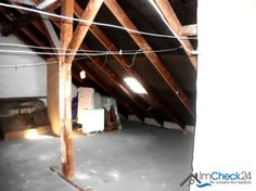 Im obersten Stockwerk kann die gereinigte Wäsche aufgehangen werden.