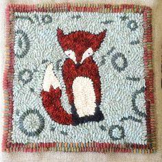 Little Fox Hooked Pillow Rug Hooking Pattern Rug Hooking Designs, Rug Hooking Patterns, Quilt Patterns, Wool Applique Patterns, Or Mat, Fox Pattern, Penny Rugs, Handmade Headbands, Handmade Journals