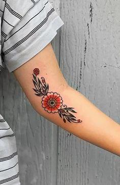 Simple Flower Tattoo, Beautiful Flower Tattoos, Small Flower Tattoos, Flower Tattoo Arm, Flower Tattoo Shoulder, Flower Tattoo Designs, Pretty Tattoos, Fern Tattoo, Tattoo Floral