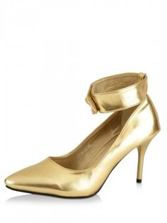 9 TO FIVE Pointed Pumps
