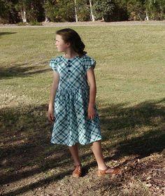 Vintage Anne Dress Size 6-8 by LittleLizajade on Etsy