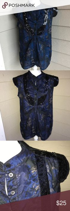 French Connection Blue Floral Sequin Top Condition: Great Size: 10 Colors: Blue And Black Details: Sequin French Connection Tops Blouses