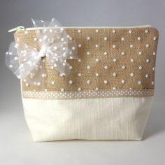 Pochette de rangement pour maquillage doublée et zipée Creations, Makeup Storage, Book Bags, Box Sets, Pouch Bag, Bags