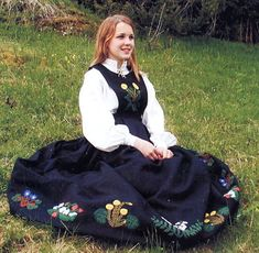 FolkCostume&Embroidery: Overview of Norwegian costume, part 4 The North Norwegian Clothing, Scandinavian, Textiles, Culture, Norway, Costumes, Embroidery, Clothes, Beauty