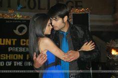 Vivian dsena and sukirti kandpal Abhay and Piya. The sweetest couple Vampire Love Story, Vivian Dsena, Indian Show, Tv Actors, Sweet Couple, Girly, Romance, Actresses, Couples