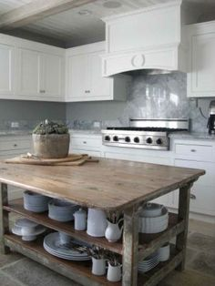 Reclaimed wood island table marble detail in classic white kitchen by plans flip or flop episode . best ideas for reclaimed wood kitchen island Little Kitchen, New Kitchen, Kitchen Dining, Kitchen Decor, Kitchen Rustic, Wooden Kitchen, Kitchen Ideas, Kitchen Inspiration, Kitchen Designs