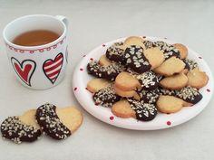 Biscotti+cuori+di+frolla+e+cioccolato.