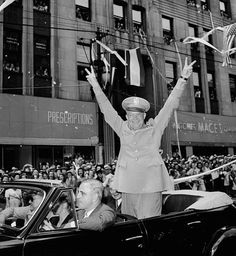 Eisenhower Homecoming, 1945