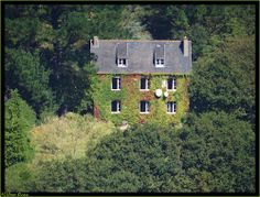 House at  Rosnoën