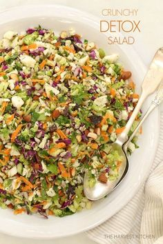Crunchy Detox Salad.. Ready for some salad love? This is an ultra simple recipe both for the salad and its dressing. Delicious and healthy!!