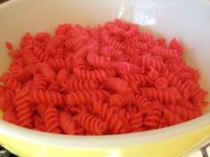 How to make pink pasta salad