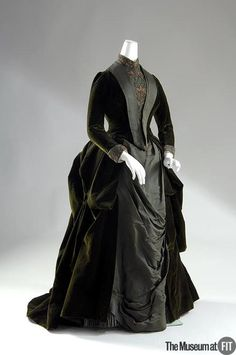 Morning Dress  Madame Arnaud   c.1888