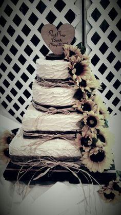 Rustic sunflower wedding cake