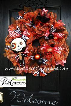Halloween Wreath Deco Mesh Wreath Halloween by poshcreationsKY Fall Mesh Wreaths, Halloween Mesh Wreaths, Wreaths And Garlands, Holiday Wreaths, Halloween Crafts, Holiday Crafts, Halloween Decorations, Wreath Fall, Mesh Garland