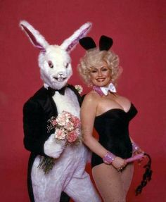 Hollywood Easter Photos : The Weird and The Wonderful – if it's hip, it's here Outlaw Country, Country Music, Dolly Parton Playboy, Dolly Parton Pictures, Pose Reference Photo, Urban Cowboy, Bunny Costume, Beautiful Old Woman, Hello Dolly