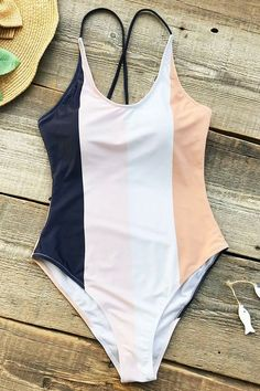 Ropa Interior Boxers, Cute Bathing Suits, Bathing Suits One Piece, Striped Swimsuit, Floral One Piece Swimsuit, Summer Suits, Swimming Costume, Cute Swimsuits, Flattering Swimsuits