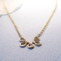 Necklace: Another pretty necklace