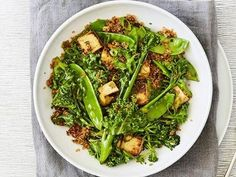 Become lean, green, winter machines with this healthy lunch or dinner packed full of the good stuff by TIFFXO Founder, Tiffiny Hall.