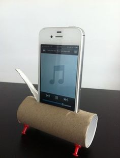 The Redneck iPhone stand.. Real country and the price is right....  buhahahaha!