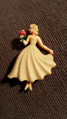 Brooch celluloid? Brooches, Vintage Jewelry, Faces, Plastic, Disney Princess, Disney Characters, People, Collection, Art