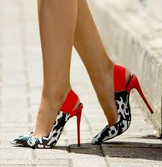 Love the pattern on these #heels #shoes #shoehabit #shoesaddict #fashion #shopping