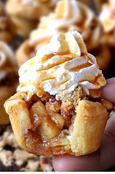 Apple Pie Cupcakes When you don't feel like having an apple pie then these Apple Pie Cupcakes are just the best alternative that you can get. The post Apple Pie Cupcakes & Törtchen appeared first on Desserts . Apple Pie Cupcakes, Baking Cupcakes, Cupcake Cakes, Apple Cake, Best Cupcakes, Apple Pie Cookies, Yummy Cupcakes, Cupcake Ideas, Cupcakes Fall