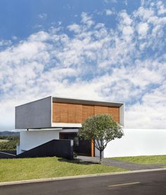 FV House by Studio Guilherme Torres