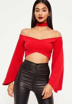 Standout of the crowd wearing a fiery shade of red in this beaut crop top - featuring a choker neck and luxe flared sleeves. Red Crop Top, Cami Crop Top, Crop Top Hoodie, Cropped Tops, Looks Style, Casual Looks, Bell Sleeve Crop Top, Red Flare, Neck Choker