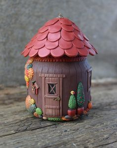 120 Easy And Simply To Try DIY Polymer Clay Fairy Garden Ideas. Polymer clay is a clay like material made from polyvinyl chloride (PVC), plasticizer and pigment. Polymer Clay Fairy, Fimo Clay, Polymer Clay Charms, Polymer Clay Projects, Polymer Clay Creations, Clay Fairy House, Fairy Houses, Clay Jar, Fairy Jars