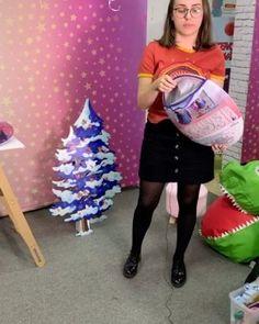 Inspire sua Festa ® | Blog Festa e Maternidade Frozen Party, Barbie, 3 D, Instagram, Dinosaur Birthday Invitations, Mermaid Birthday Cakes, Circus Invitations, Dinosaur Birthday, Birthdays