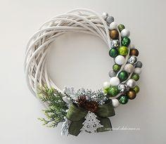 """Képtalálat a következőre: """"vánoční věnec na dveře"""" Xmas Crafts, Cute Crafts, Diy And Crafts, Christmas Wreaths, Christmas Things, Christmas Ideas, Advent, Beautiful Decoration, Holiday Decor"""