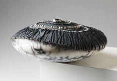 Patricia Shone Ceramics, Controur