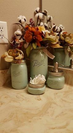 I love adding in unpicked cotton to the mix it's a really nice texture change #rusticdecor