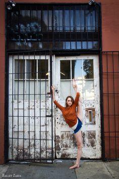 Dancer - Jeanette Kakareka. Location - San Francisco, California. © 2011 Oliver Endahl